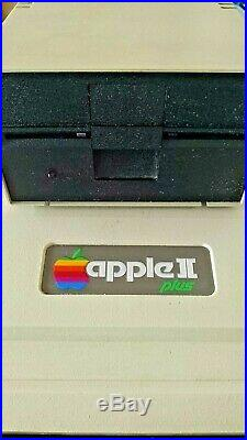 Vintage Apple II+ Plus Computer for parts/repair, with disk drive-Used